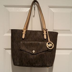Michael Kors Bags - MICHAEL KORS Jet Set Large Logo Pocket Tote Bag